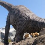 駅前の恐竜