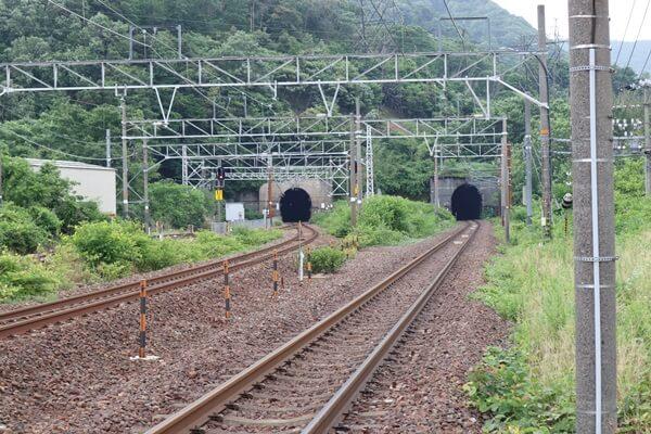 深坂トンネル