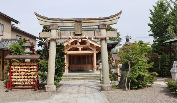 木田神社の境内