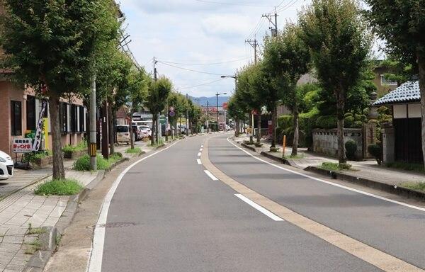 鯖江駅の前の道