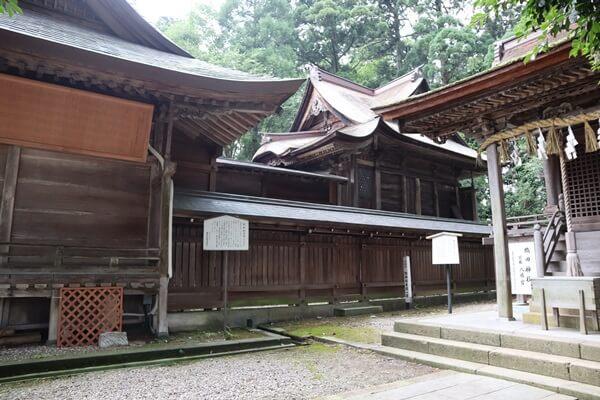 劔神社 本殿