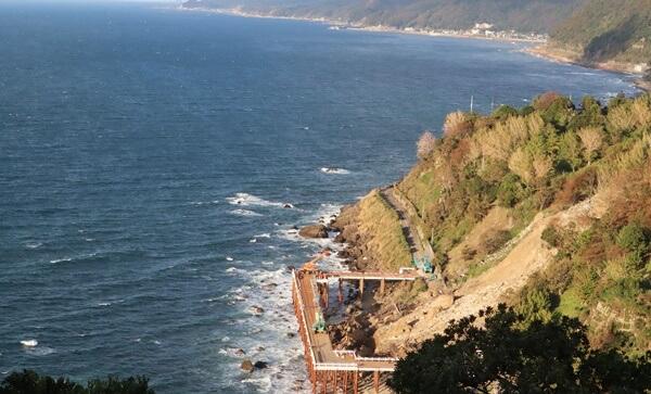 海の仮設道路