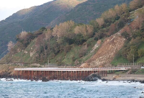 海岸沿いの迂回路