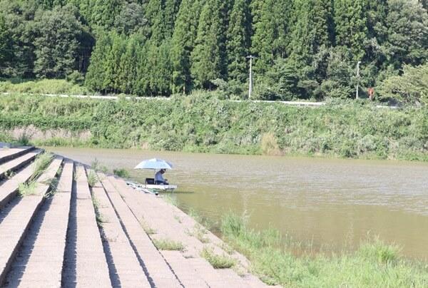 滝波ダムの釣り人