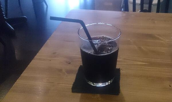 カフェインレスの穀物コーヒー