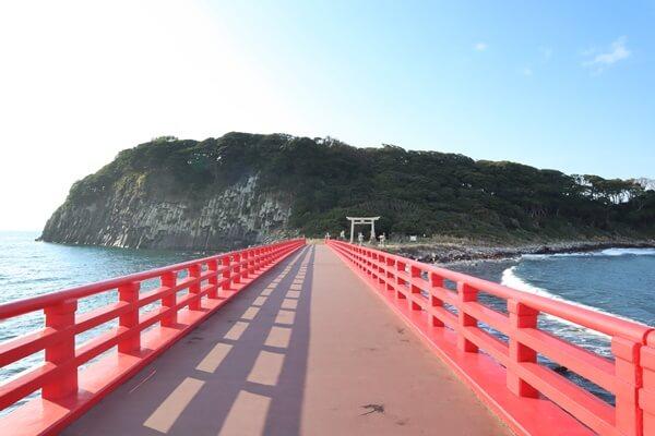 雄島の赤い橋