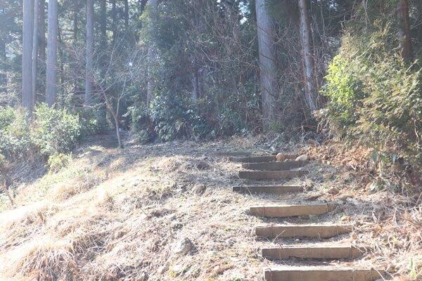 座禅石の道