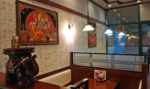 ネパール料理の店内
