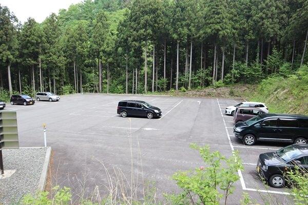 中出コース駐車場