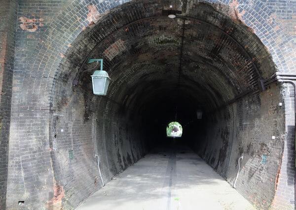 樫曲トンネルの入り口