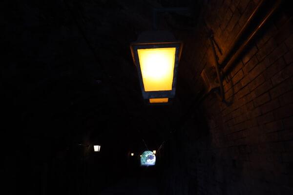 トンネルの電気