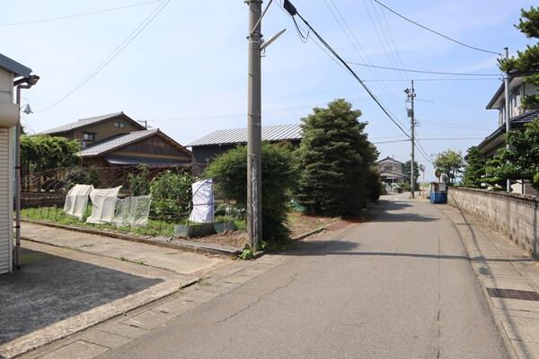 藤鷲塚の道