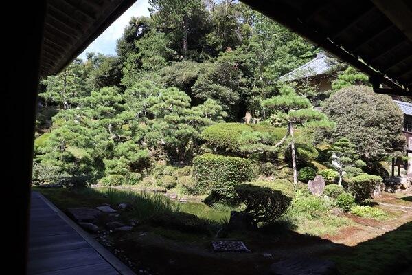 瀧谷寺の庭園