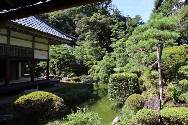 瀧谷寺の庭園の眺め