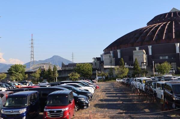 サンドームの駐車場