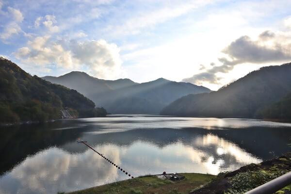 九頭竜ダムの景色