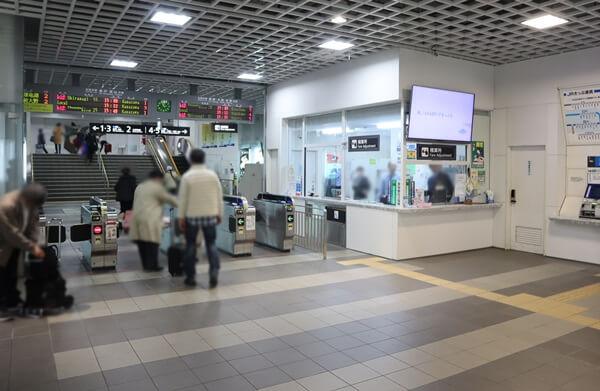 JR福井駅の改札口