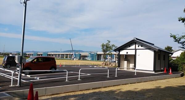 称念寺の駐車場