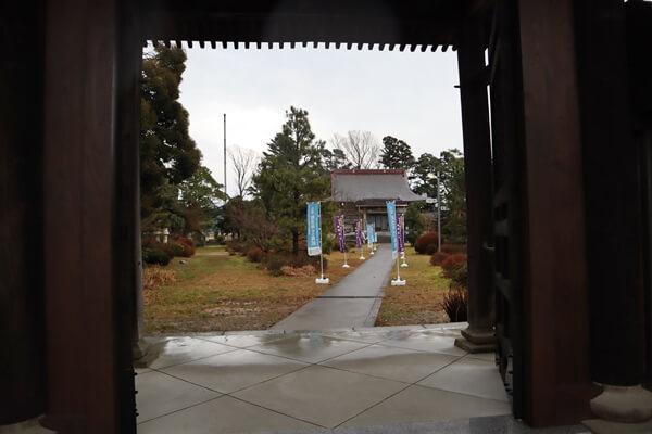 お寺の入口
