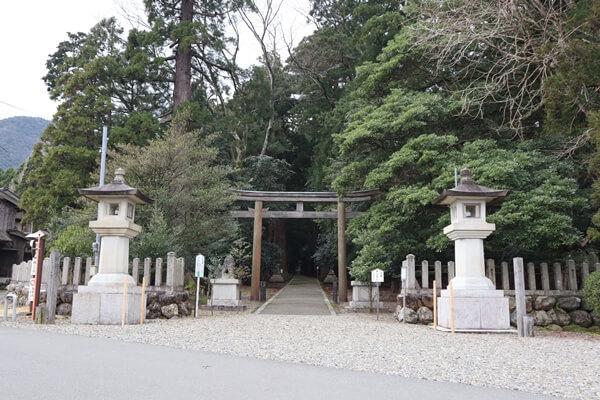 若狭彦神社の入口