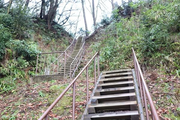 月見櫓の階段