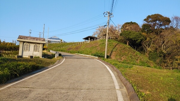 越前岬灯台の上の駐車場