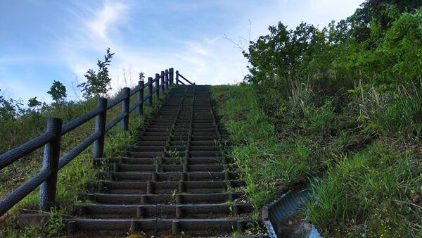 展望台の登り道