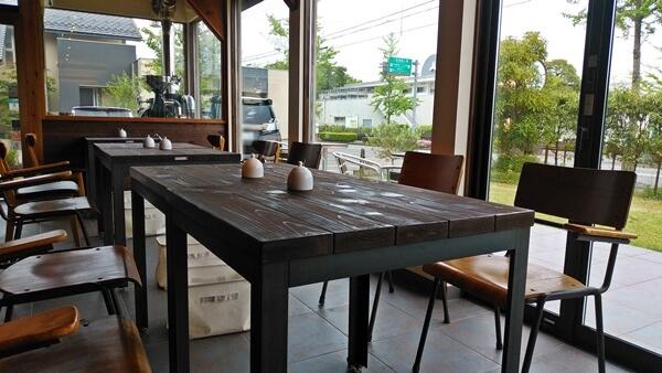 ポッセコーヒーの店内