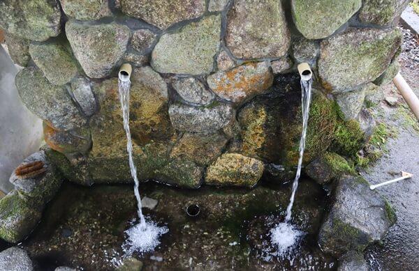 湧水の水の出口