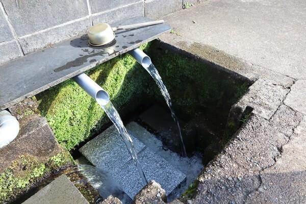 水分神社の水場