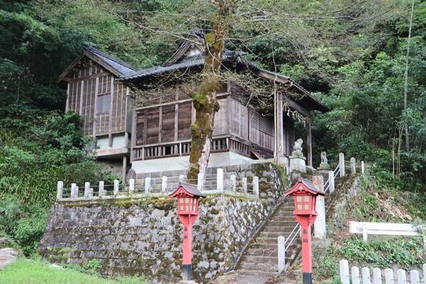 漆器神社の外観