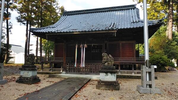 神明社の拝殿