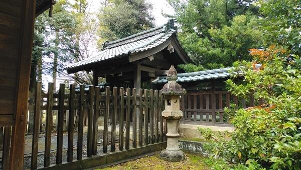 神明社中雀門