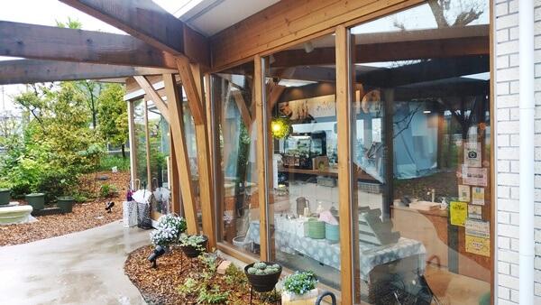 まあるカフェの入口