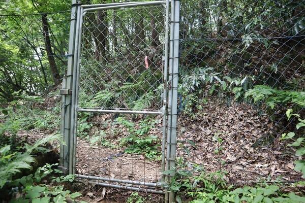 入り口の柵