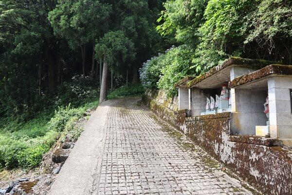 白山神社までの道