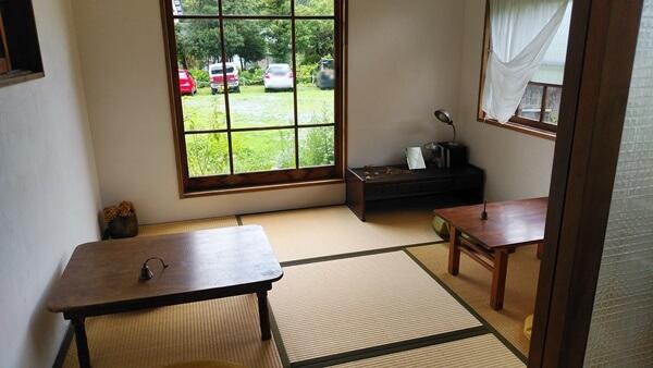 鈴廼園の畳の席