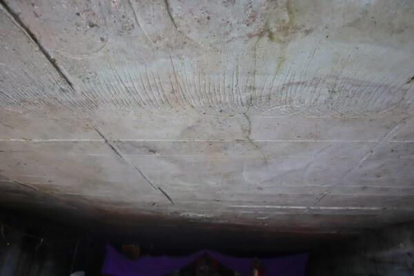 天井も笏谷石