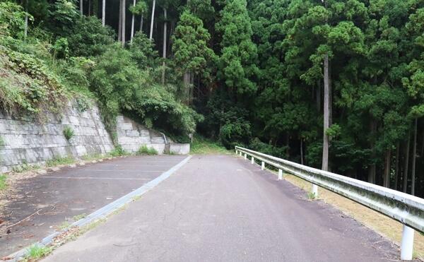 貧谷の滝の駐車場