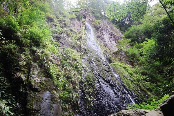 貧谷の滝の雌滝
